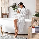 Relaxdays Wäschetruhe Walnuss mit Deckel, entnehmbarer Wäschesack ca. 70 l Volumen, geschlossener Wäschesammler Holz HBT ca. 55,5 x 52,5 x 39,5 cm, natur -
